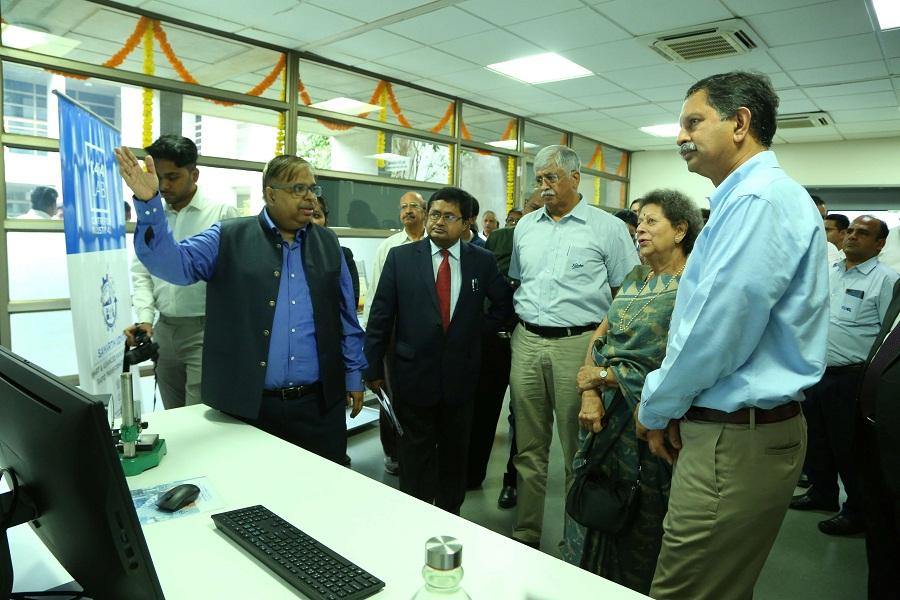 Industry 4.0 lab - SUMAN - (Sustainable Universal Manufacturing Augmented Node) inaugurated at KIAMS, Pune. (L-R)- Dattatraya Navalgundkar, Pankaj Roy Gupta, R. R. Deshpande, Suman Kirloskar and Atul Kirloskar.