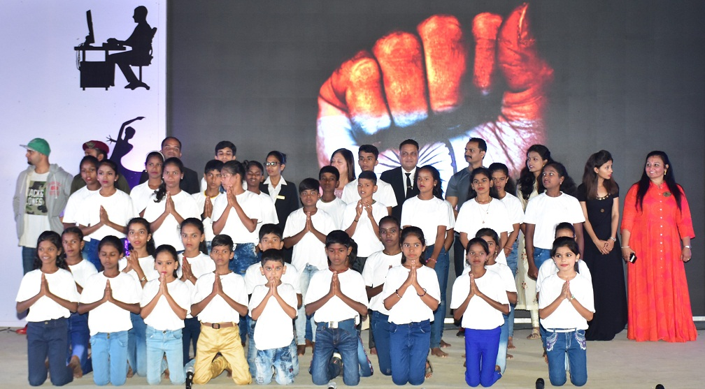 (Students of Della Adventure & Resorts ZP School at their Annual Day in Lonavala)