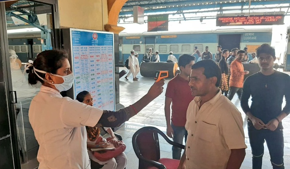 Indian railway checking passenger Coronavirus