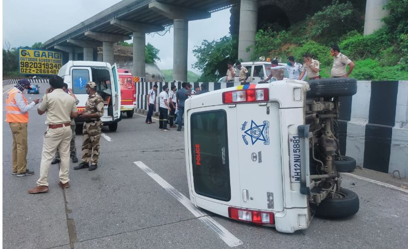 Sharad Pawar convoy police accident