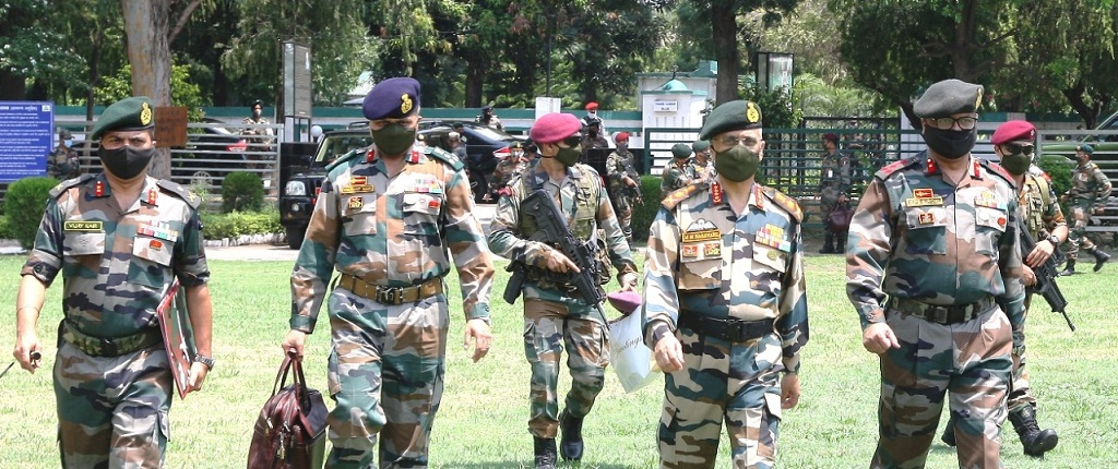 army chief naravwane