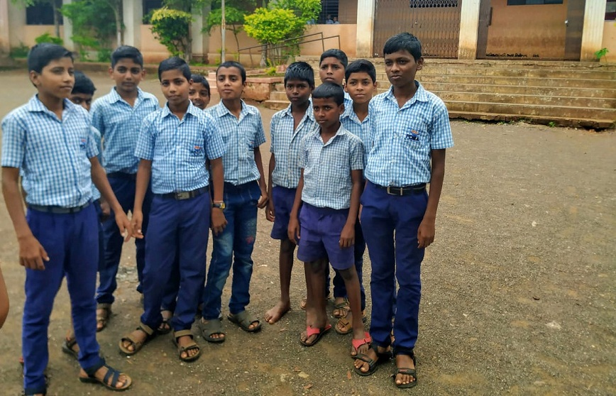 Ananta Doiphode (extreme right) with his school friends