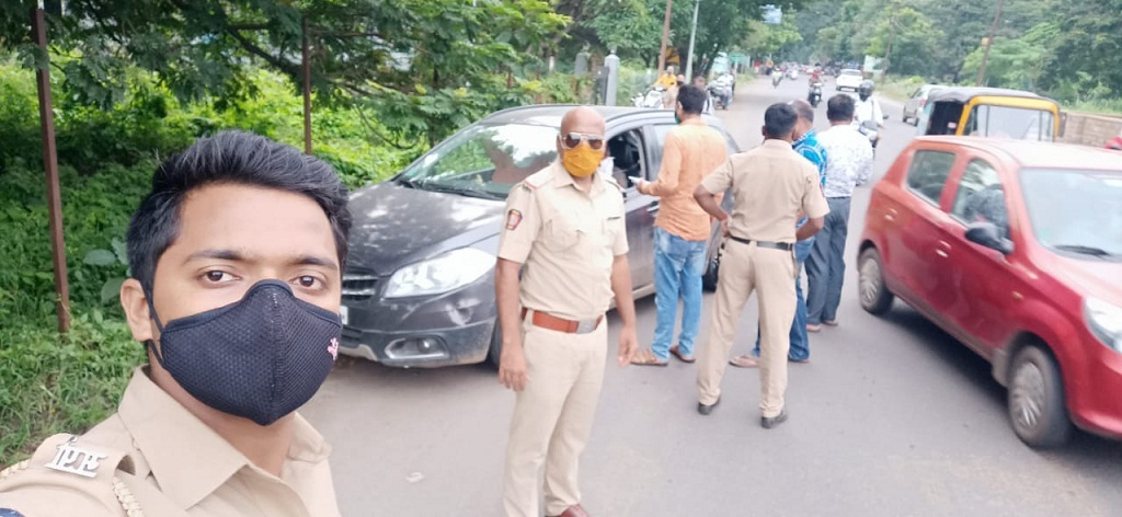 Pune police action for not wearing mask