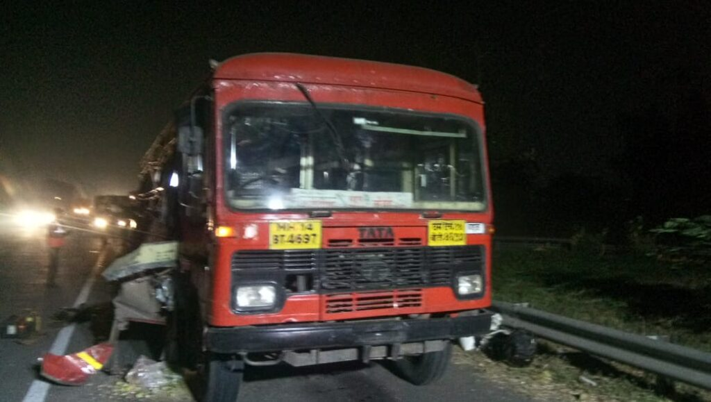 ST BUS ACCIDENT Mumbai Pune Expressway